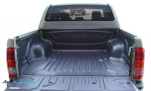 Toyota HiLux 2006-2015 защитный вкладыш под борт